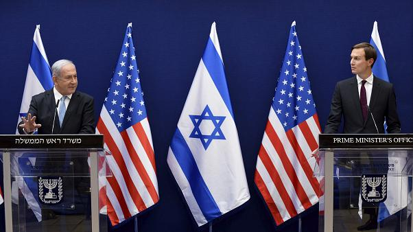 Il premier Benjamin Netanyahu e il consigliere amministrazione USA Jared Kushner
