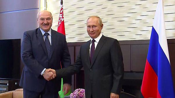 الرئيس الروسي فلاديمير بوتين ونظيره البلاروسي ألكسندر لوكاشنكو