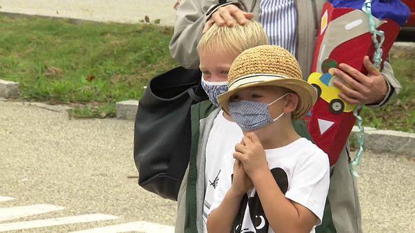 Rentrée scolaire en Autriche : déjà des contaminations malgré les masques et le gel