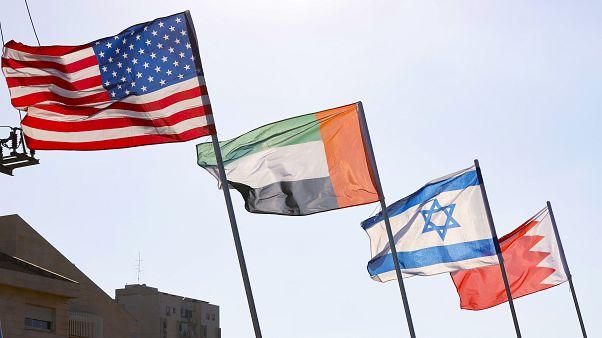 Le bandiere di Stati Uniti, Emirati Arabi Uniti, Israele e Bahrain