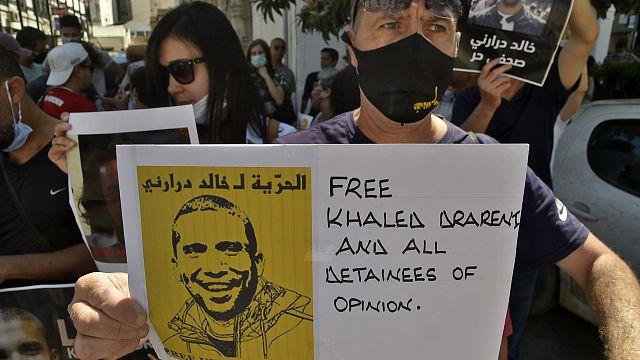 Algérie : Deux ans de prison ferme pour le journaliste Khaled Drareni