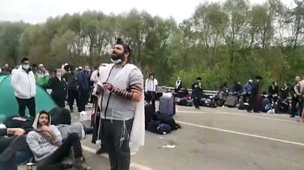 На украинской границе застряли сотни хасидов