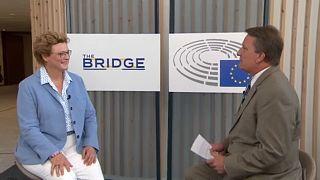 Monika Hohlmeier im Gespräch mit Stefan Grobe im Europäischen Parlament in Brüssel