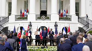 Aláírták a békemegállapodást a Fehér Házban