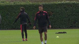 Gabon's Aubameyang signs new Arsenal contract