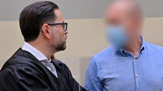 Mark Schmidt (visage flouté), à l'ouverture de son procès à Munich, le 16/09/2020.
