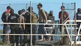 Migrantes são levados para Base da Proteção Civil em Quarteia depois de intercetados pela GNR e Polícia Marítima na Ilha Deserta, Faro, Algarve
