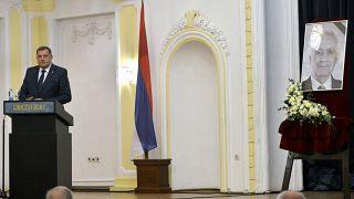 Sırp Cumhuriyeti lideri Milorad Dodik, savaş suçlusu Momcilo Krajisnik için düzenlenen anma törenine katıldı