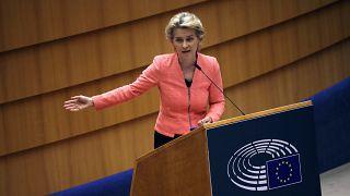 Ursula von der Leyen, présidente de la Commission européenne s'adresse au Parlement européen pour son premier discours sur l'état de l'Union le 16 septembre 2020
