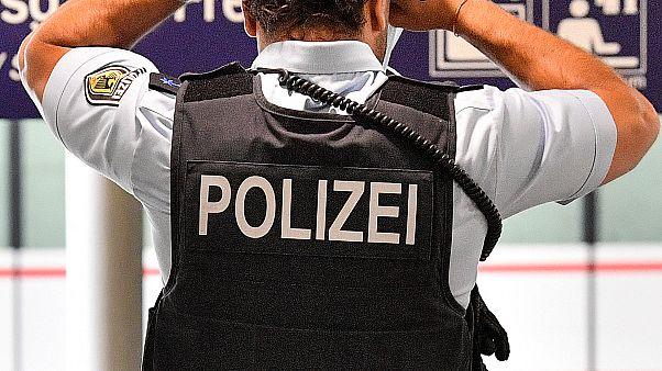 Almanya'da ırkçı paylaşımlarda bulunan 29 polis açığa alındı / Arşiv