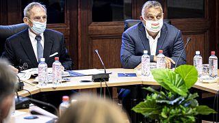 Orbán Viktor miniszterelnök és Pintér Sándor belügyminiszter az operatív törzs ülésén