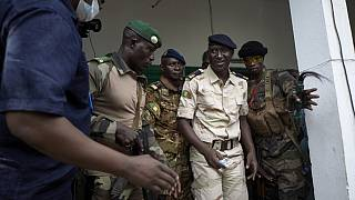 """Mali : la junte affirme officiellement sa préférence pour une transition """"dirigée par un militaire"""""""