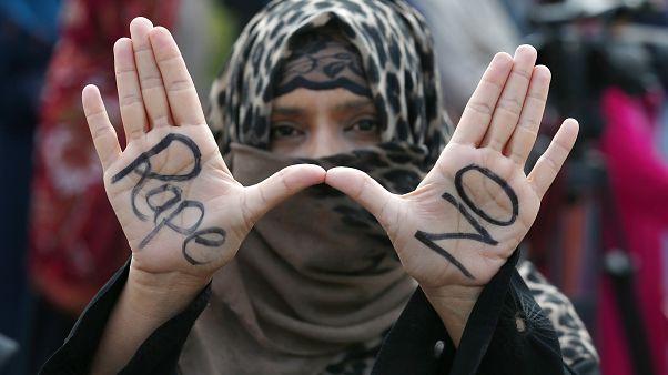 لا للاغتصاب خلال مظاهرة للتنديد بحوادث الاغتصاب في باكستان