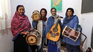 """فرقة """"دينكو"""" الإيرانية"""