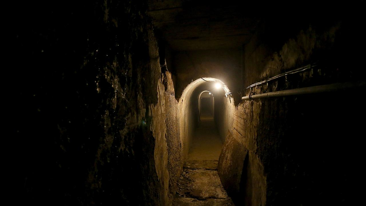 """Dark Tourism"" in Albanien: Die Bunker des Diktators"