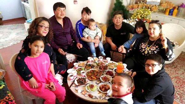 Uygur ailelerine gelen Çinli 'kuzenler' devlet tarafından görevlendirildi