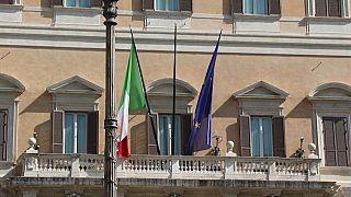 Itália vai a votos para reduzir deputados e senadores