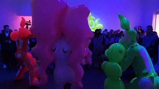 Latex-Ausstellung im Museum of Modern Art in Moskau