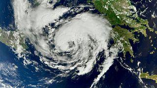 Una imagen de satélite muestra al ciclón Ianos acercándose a Grecia