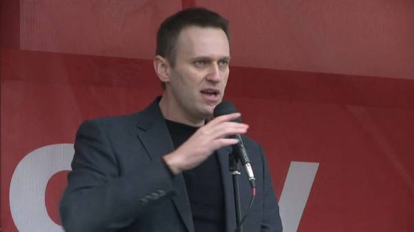 Навальный снова ставит лайки