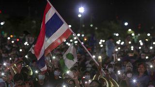 ده ها هزار نفر در تایلند تظاهرات کردند