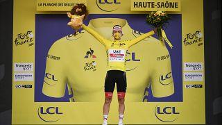 Tadej Pogacar s'empare du maillot jaune à la veille de l'arrivée du Tour de France