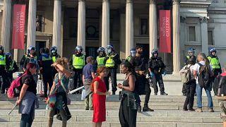 محتجون ورجال شرطة في شوارع العاصمة الرومانية
