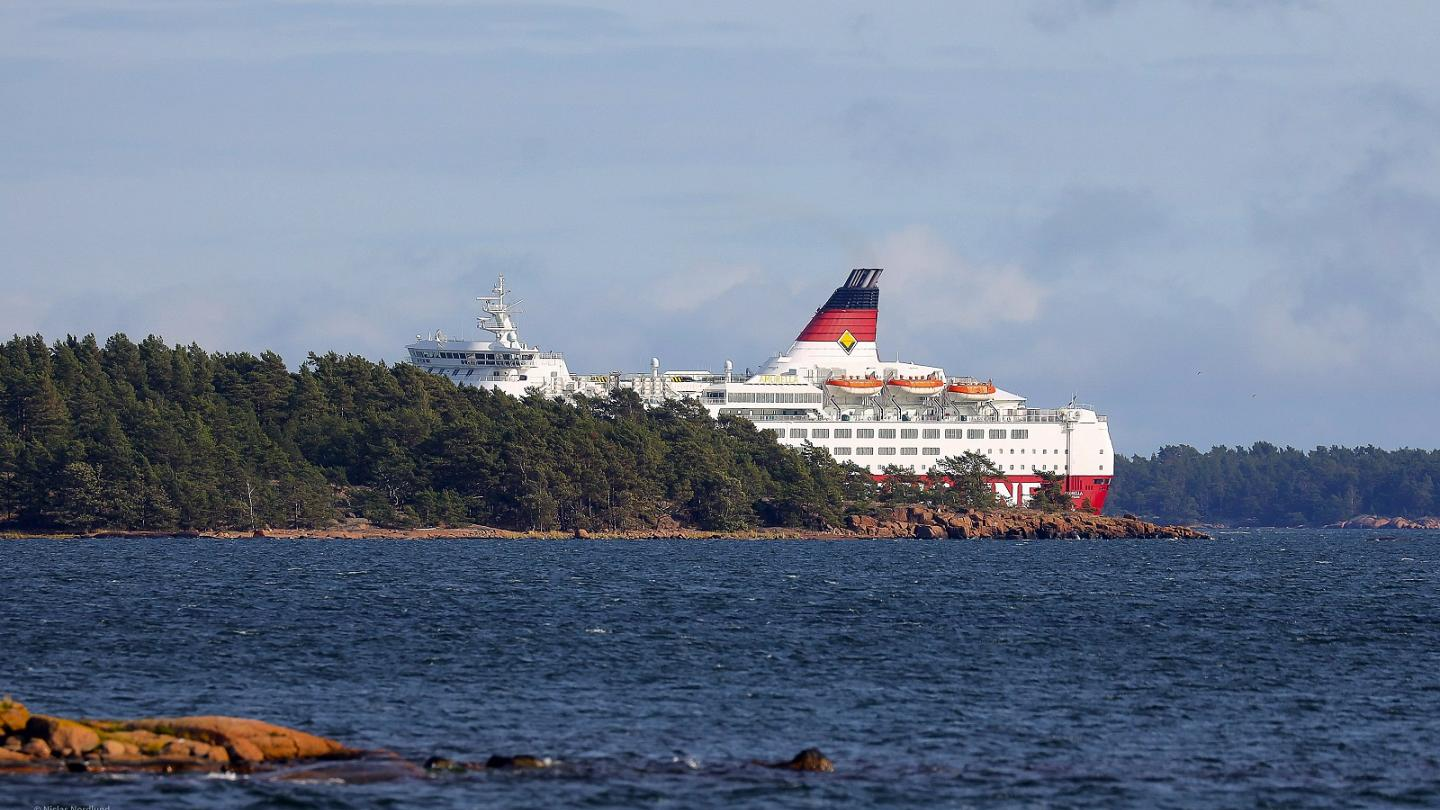 Passenger Ferry With Nearly 300 People On Board Runs Aground Off Finland Euronews