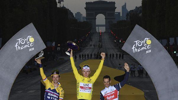 Pogacar junto a Roglic y Porte en el podio del Tour de Francia