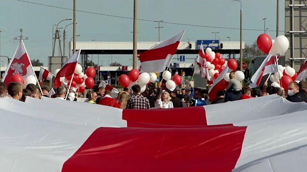 Πολωνία: Συγκέντρωση κατά του Λουκασένκο στα σύνορα