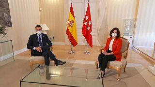 El presidente del Gobierno, Pedro Sánchez, y la presidenta de la Comunidad de Madrid, Isabel Díaz Ayuso, durante la reunión que mantuvieron en Madrid