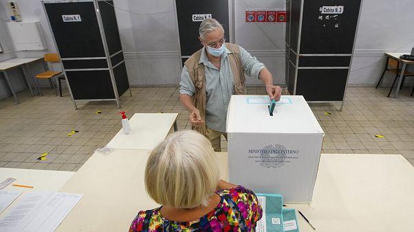 Εκλογές με αυστηρά υγειονομικά πρωτόκολλα στην Ιταλία