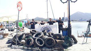 Οι εθελοντές δύτες της We Dive We Clean στο Αλιβέρι