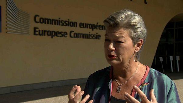 Επίτροπος Μετανάστευσης στο Euronews: όχι άλλες Μόριες