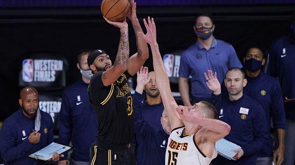 NBA-playoff: Davis dudaszóra döntött