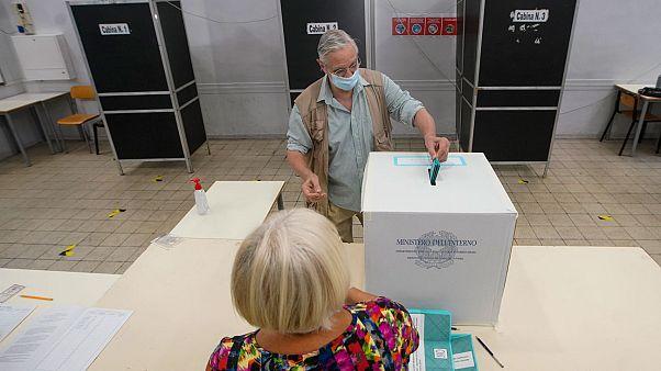 Italie : victoire du oui au référendum sur la réduction du nombre de parlementaires