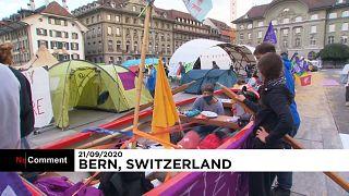نشطاء بيئة  يعتصمون في بيرن السويسرية