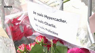 Hommage sur les lieux de l'attentat de l'Hyper Cacher, janvier 2015