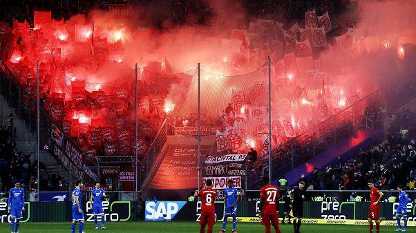 Bayern München szurkolók a vendégszektorban Hoffenheimben 2020. február 29-én