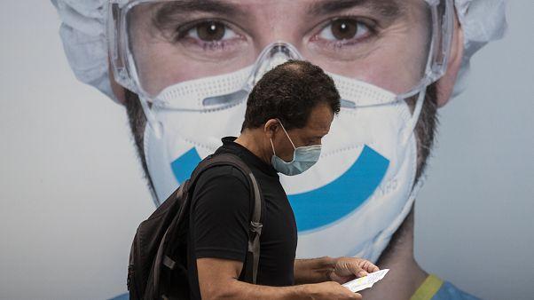 Sperrstunden, Maskenpflicht - verschärfte Coronamaßnahmen in Europa