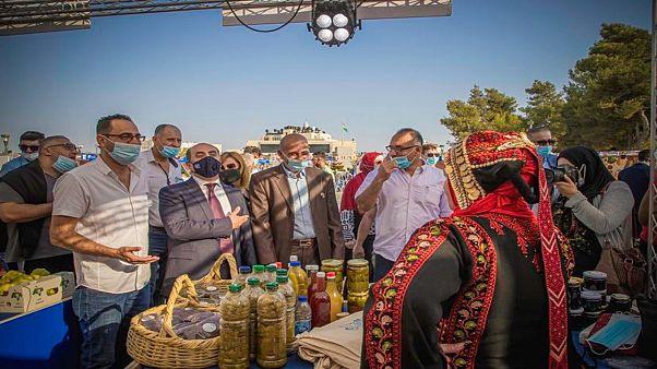 """""""سوق بلدي"""" بحديقة الاستقلال في مدينة البيرة/رام الله"""