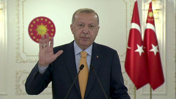 الرئيس التركي رجب طيب أردوغان  يتحدث عبر الفيديو خلال الدورة 75 للجمعية العامة للأمم المتحدة.