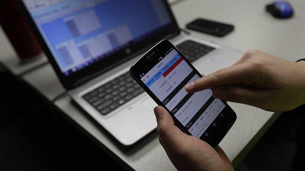 """زيادة في نسب استخدام تطبيقات """"الفطام الإلكتروني"""" بعد جائحة كورونا"""