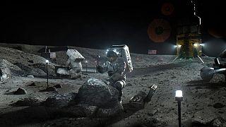 اعزام فضانورد به ماه