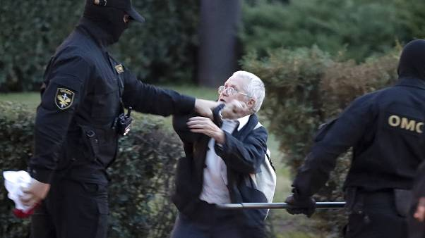 Egy 73 éves dédnagymamát is letartóztattak a minszki tüntetéseken