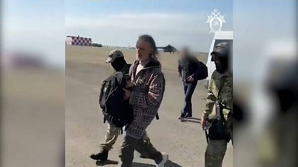 Ein Sektenanführer nach der Festnahme in der russischen Region Krasnojarsk