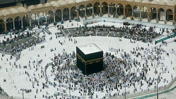 السعودية نيوز |      وزارة الداخلية السعودية تعلن السماح مجدداً بأداء العمرة والزيارة تدريجيًا