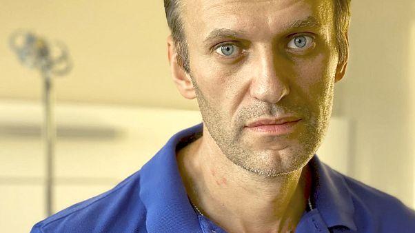 Меркель тайно навестила Навального