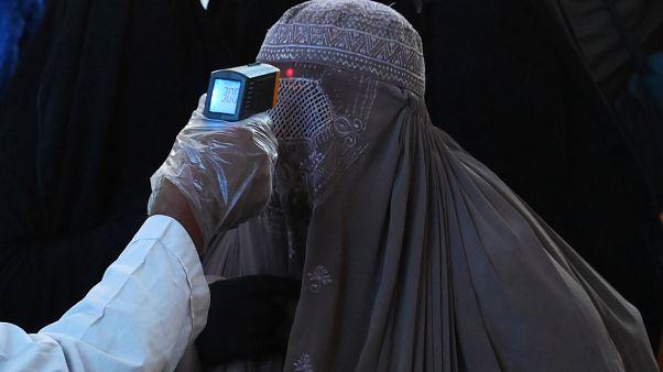 Covid-19 salgınıyla birlikte Avrupa ülkelerinde burka yasağı tekrar tartışmaya açıldı