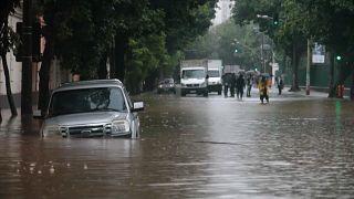 Au Brésil, Rio se retrouve sous les eaux